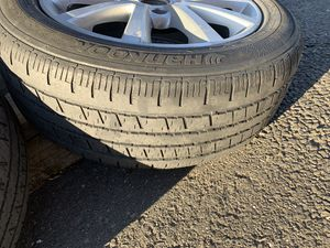 Photo Selling 3 rims with semi-new tires from jetta 2014