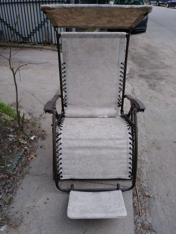 Lawn Chair With Shade Visor And Foot Rest N Pillow For