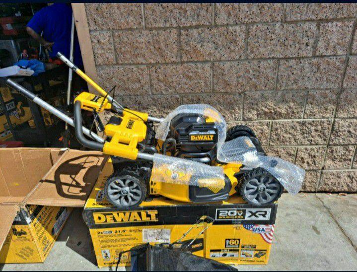 DEWALT 21.5 in. 20-Volt MAX Lithium-Ion Cordless Battery Walk Behind Self Propelled Mower