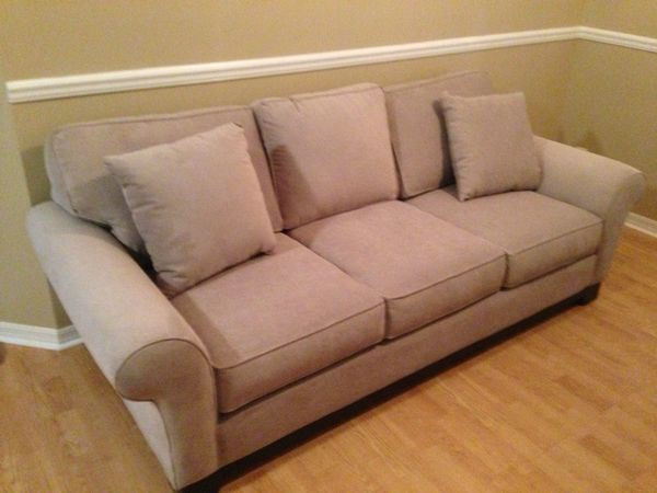 5045c40915f Macy s Medland Roll Arm Sofa for Sale in Palm City