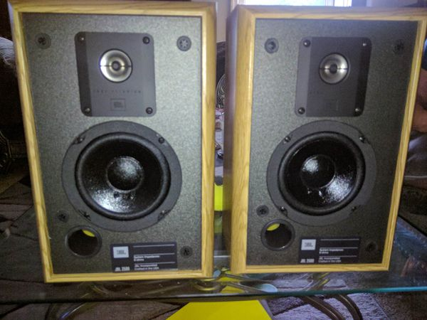 JBL Bookshelf Speakers In Beautiful Condition Still Have The Box They Came For Sale St Louis MO