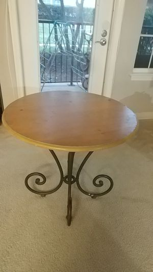 Table for Sale in Germantown, MD