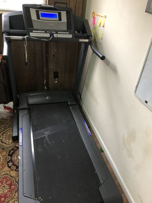 NordicTrack Treadmill for Sale in Bailey's Crossroads, VA