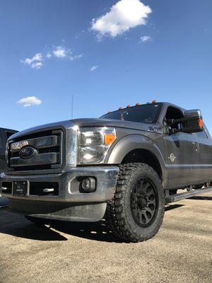 """2"""" Leveling Kits Ford F-250 F350 Rough Country $75 parts for Sale in Chicago, IL"""
