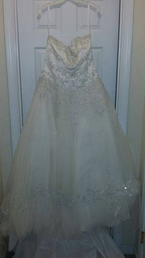 Wedding dress in perfect condition. for Sale in Richmond, VA