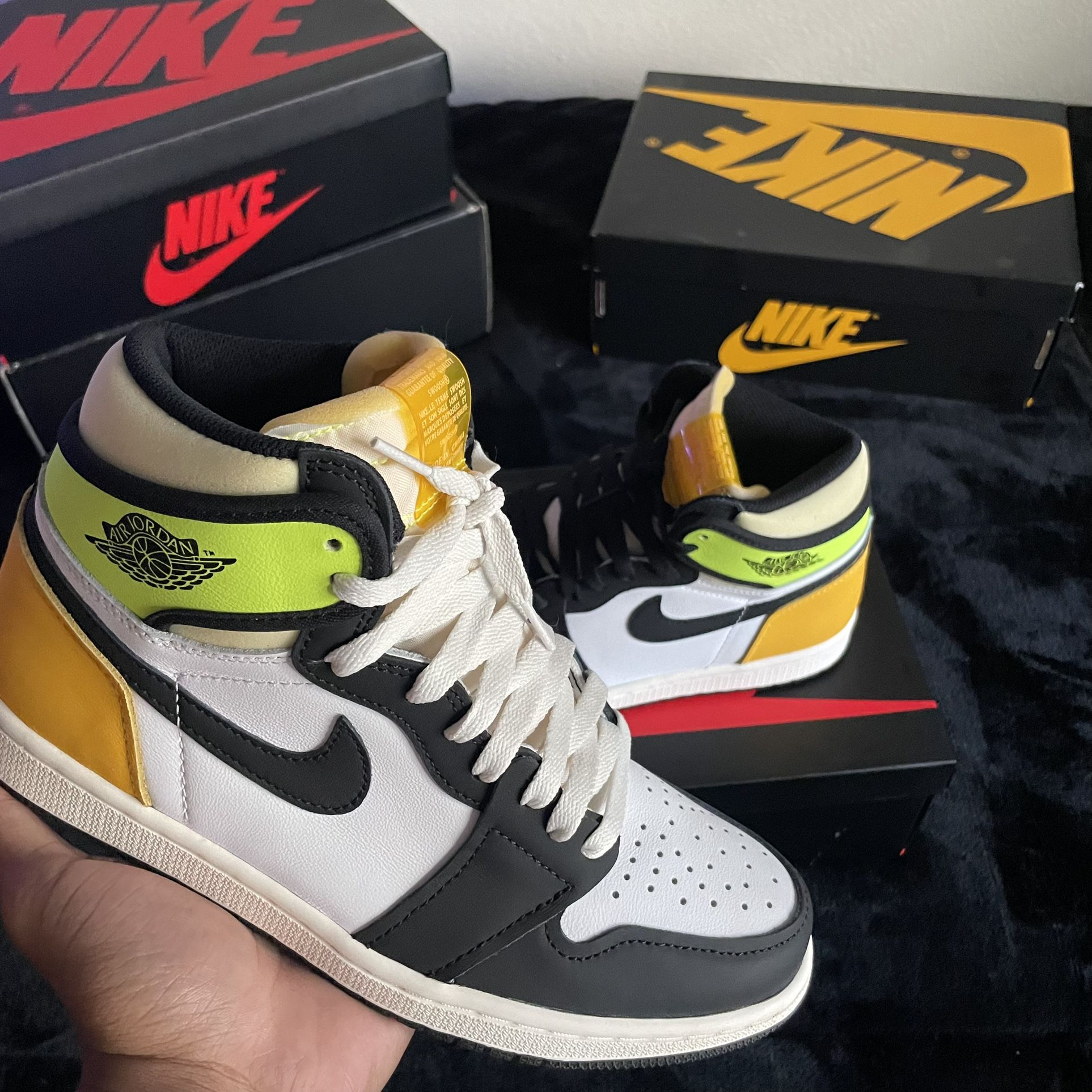 Jordan 1 High ' Volt Gold '