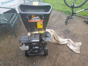 Cyclo Action Chepper Shedder 5 HP Briggs & Stration for Sale in Sterling, VA