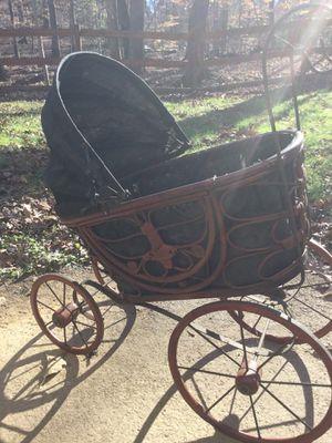 Antique stroller for Sale in Manassas, VA