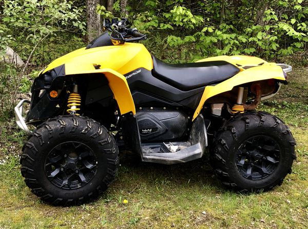 Can am 800 2013 renegade like new no trades