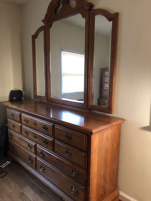 Lexington solid oak complete bedroom set for Sale in Arlington, VA