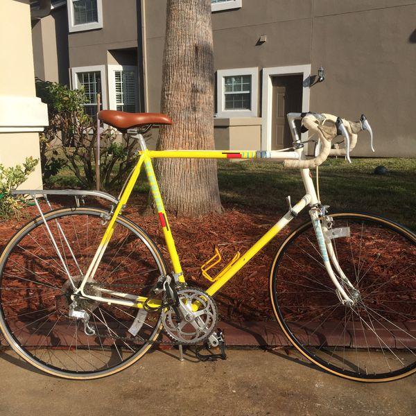 NICE VINTAGE Men's Schwinn Prelude Road Bicycle for Sale in Orange Park, FL  - OfferUp