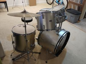 5 piece drumset for Sale in Fairfax Station, VA