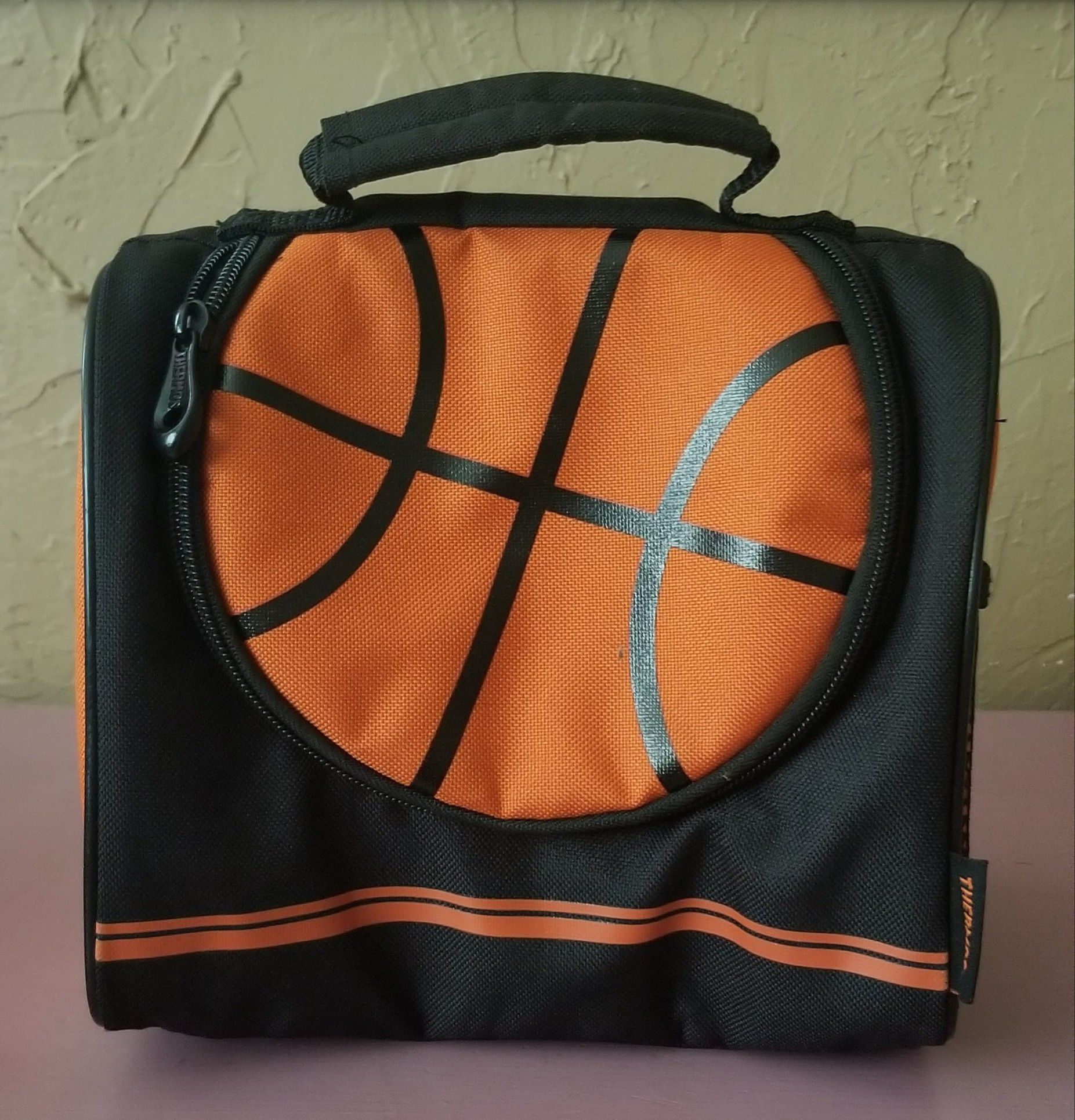 Kids basketball lunchbox barely used