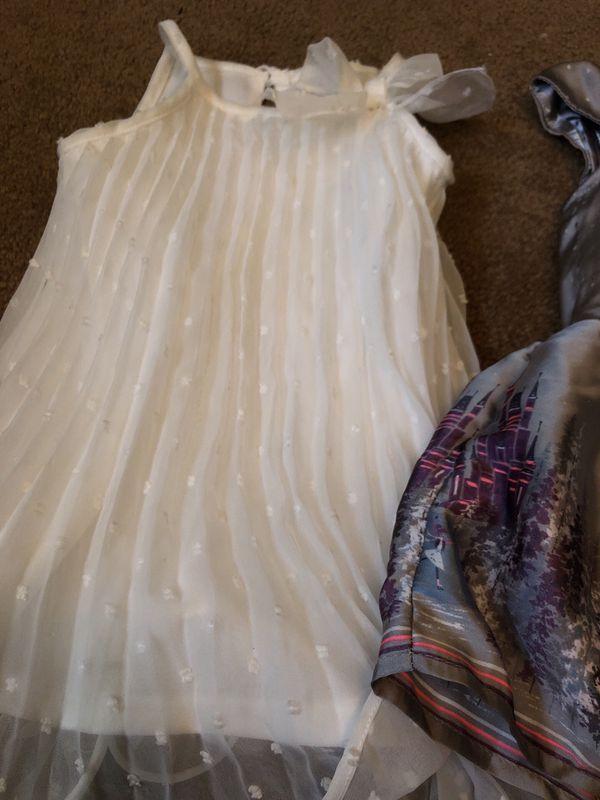 2 Dressy Dresses Size 12 Months Baby Kids In San Diego Ca Offerup