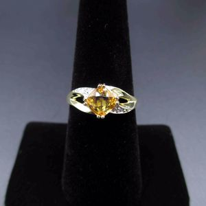 Vintage Size 7 10K Yellow Gold Citrine & Diamond Band Ring Wedding Engagement Anniversary Elegant Beautiful Everyday Unique Statement Cute for Sale in Everett, WA