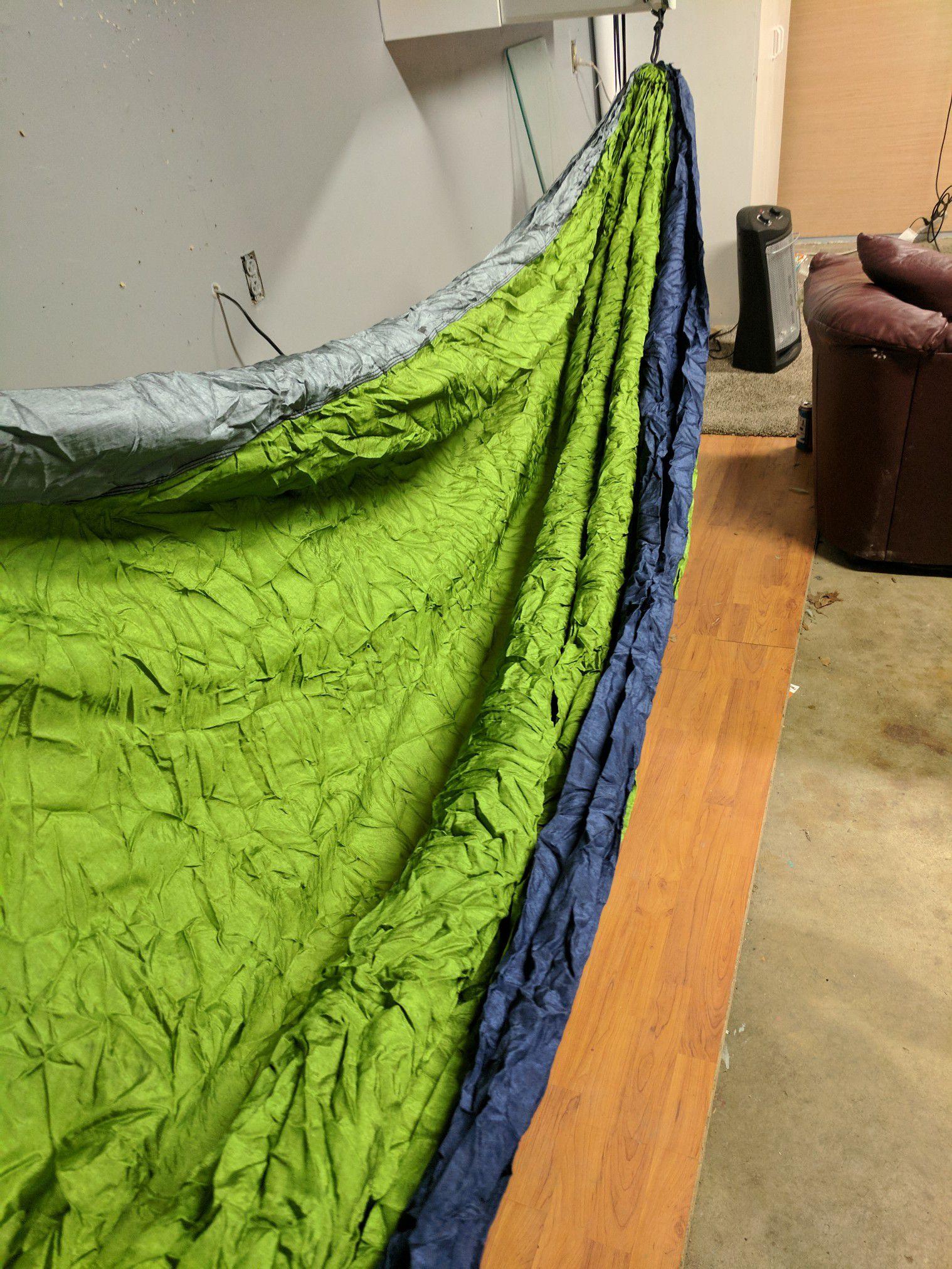 Sleeping hammock