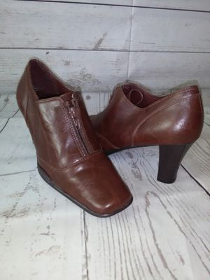 Beautiful Aerosoles Shoe , women's size 7.5 ( excellent condition ) for Sale in Frederick, MD