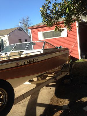 Chris cruiser with Merc 140 motor for Sale in Dallas, TX