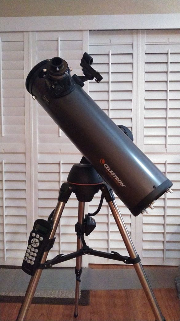 Like new Celestron Nexstar 130 SLT computerized GPS telescope with 4  lenses, rechargeable battery power pack and more    for Sale in Santee, CA  -