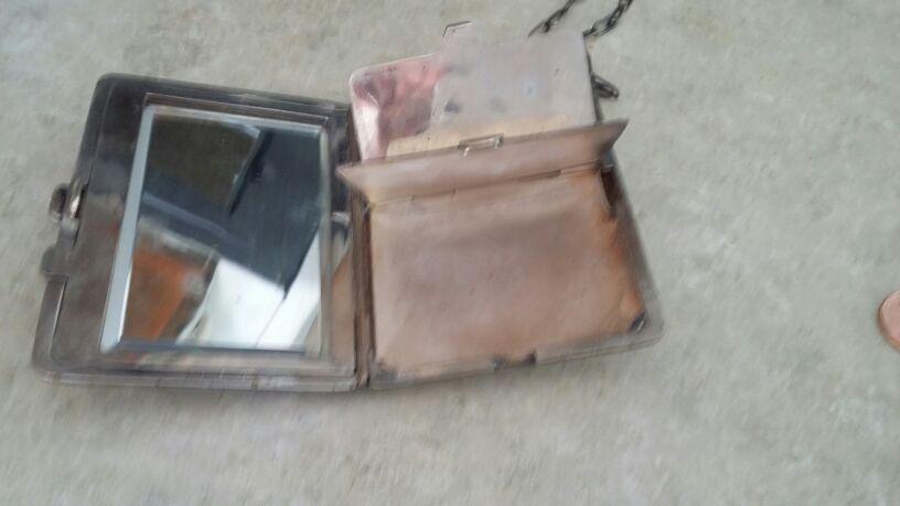 Vintage compact / purse