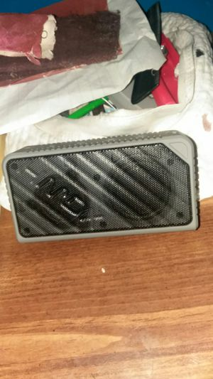 Hmdx bluetooth/ aux speaker for Sale in Donora, PA