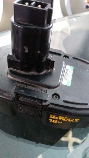 Photo DeWalt 18 volt battery