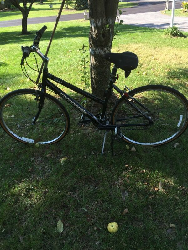 fc818c20ca9 Cannondale, H500 woman hybrid bicycle. 24 speed hi-end bike. Year in  special. Price reduced for quick sale. for Sale in Columbus, OH - OfferUp