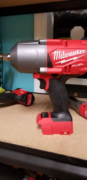 Milwaukee 2767-20M18 FUEL18V CORDLESS LITHIUM-ION1/2 IN. IMPACT WRENCH WITH FRICTION Tool only no battery includes(Sample model) for Sale in UPR MARLBORO, MD