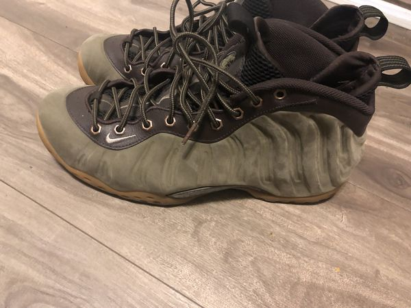9c9bb87c87571 Olive green foams best offer (Clothing   Shoes) in Long Beach