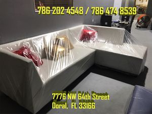 Gorgeous sectional sofa never for Sale in Miami, FL