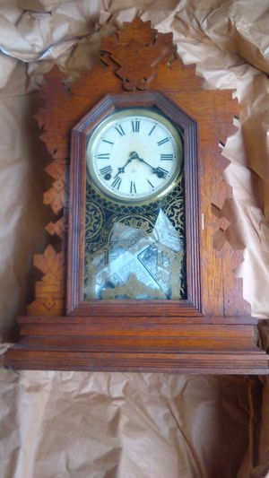 AN OLD CLOCK for Sale in Spanaway, WA