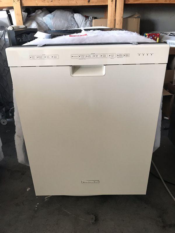 Kitchenaid Dishwasher White >> Dishwasher Kitchenaid Off White Beige Like New For Sale In Henderson Nv Offerup