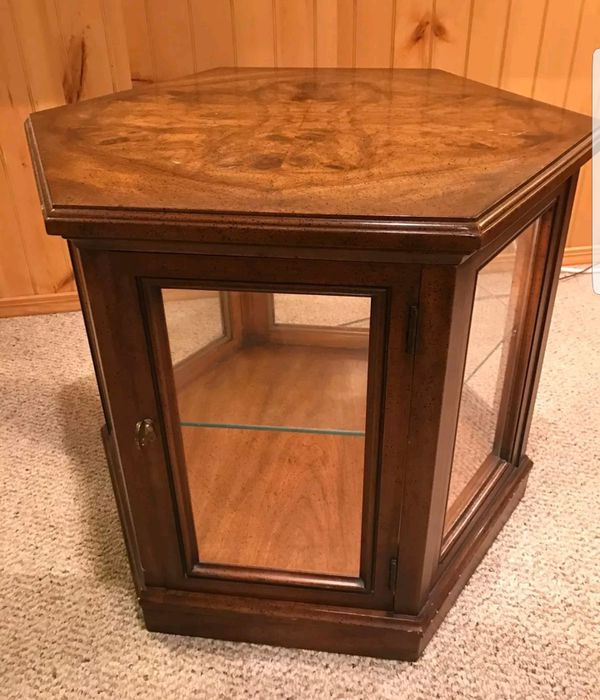 End Table Curio Cabinet With Light