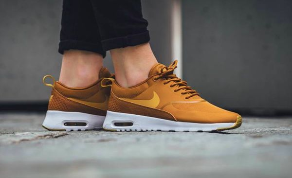 buy online 30a5d ddfe1 Nike 7,5 Women s Air Max Thea Trainer Sneaker Shoes Mustard