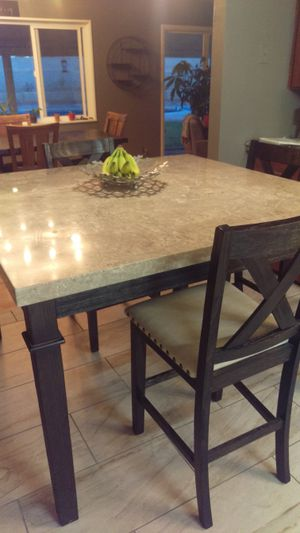Counter Height Dining Table And Four Chairs For In Albuquerque Nm