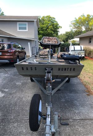 Photo G 3 bass boat all welded 14 48 great condition Billige pump live well pole holders front storage two life vest paddle etc 9 . 9 mercury 4 stroke eng
