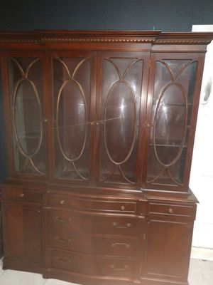 Antique Chippendale Butler's China cabinet for Sale in D'Iberville, MS