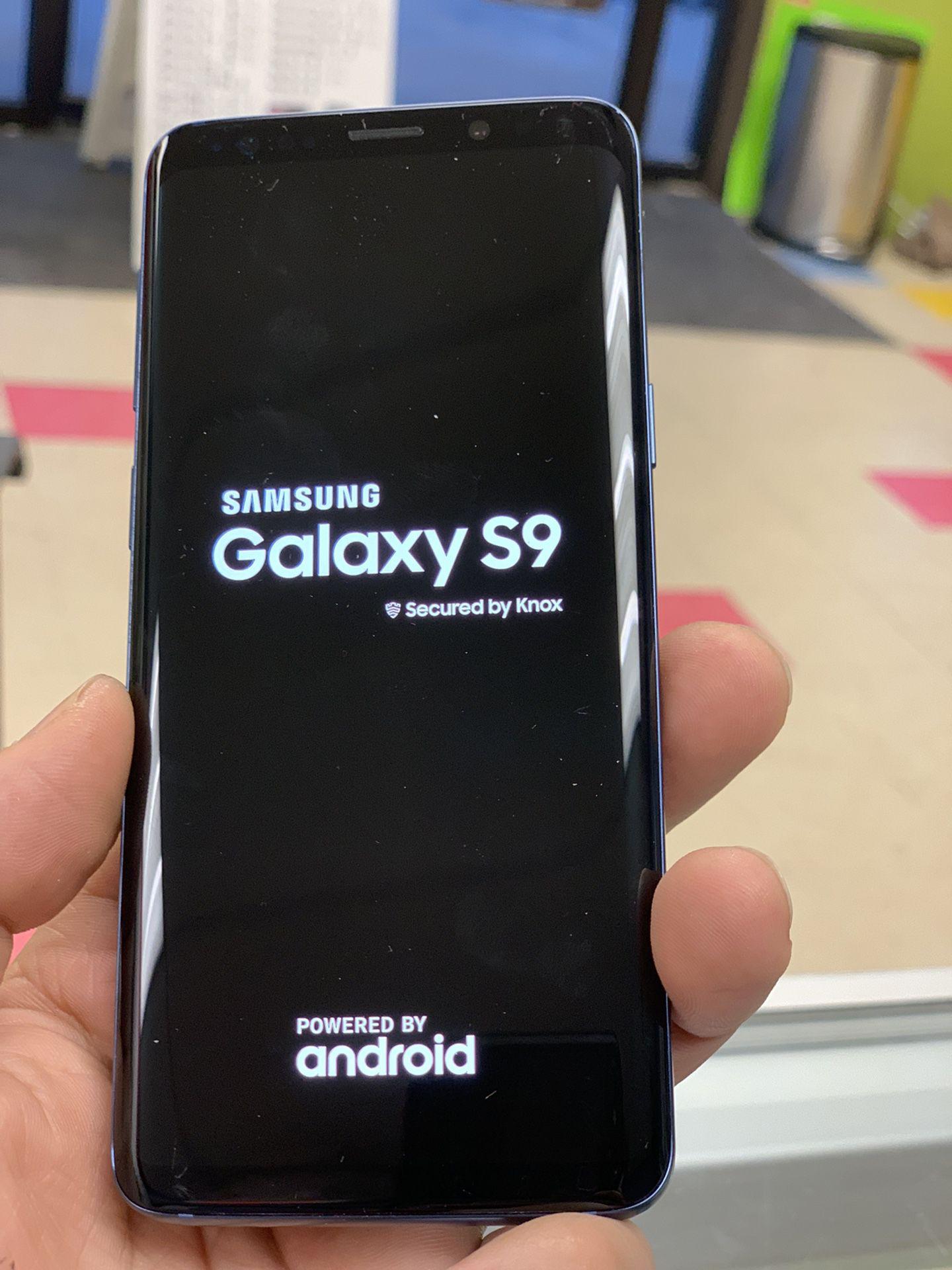 Samsung Galaxy s9 unlocked 64 gb , Sold with warranty