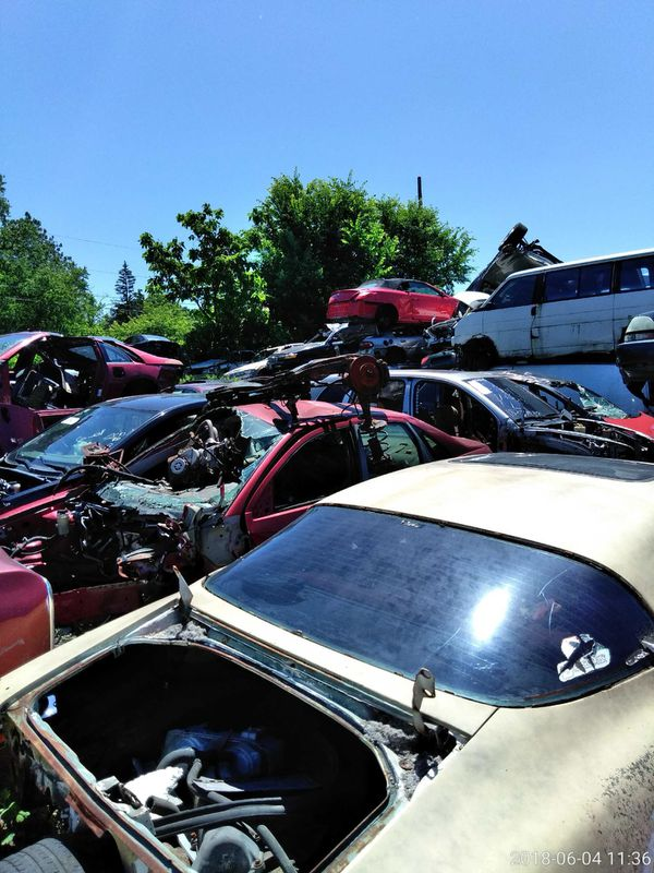 We buy junk cars wit or without title free towing (Cars & Trucks) in ...