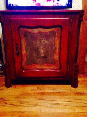 Entry Table / Entertainment Console for Sale in Cleveland, OH