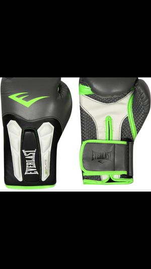 Everlast 16 OZ Boxing Gloves for Sale in Baltimore, MD