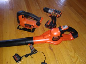 Black and decker 20 volt cordless for Sale in Chapel Hill, NC