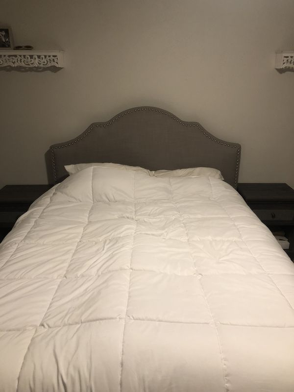 Queen size bed frame for Sale in Los Angeles, CA - OfferUp