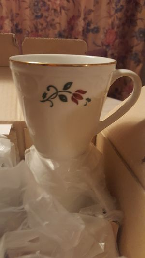 Princess House 4 Holiday Ceramic Mugs for Sale in Dillwyn, VA