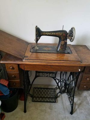 Antique Singer Sewing Machine for Sale in Chesterfield, VA