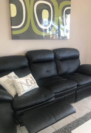 Black Leather Reclinable Sofa for Sale in Miami, FL