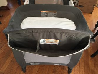 Gray Co Newborn Napper with Soothe Surrounding Technology Thumbnail