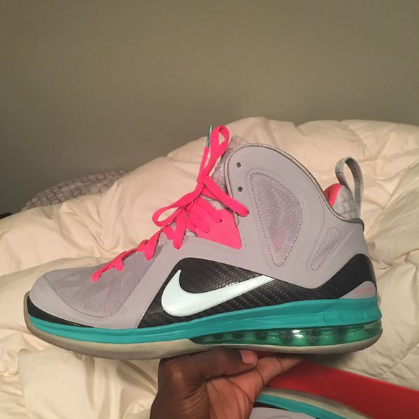 Lebron Christmas 10.South Beach Lebron And Christmas Lebron Both For Sale In Queens Ny Offerup