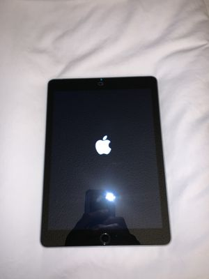 iPad 5th Generation Space Grey 32GB for Sale in Adelanto, CA