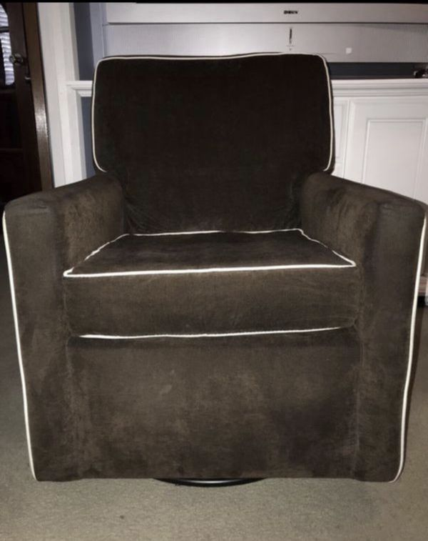 Nursery Glider Swivel Rocker Chair With Ottoman Furniture In Pomona Ca Offerup